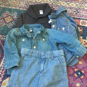 Other - ⭐️ HP! ⭐️ Cutest chambray 12-18 set